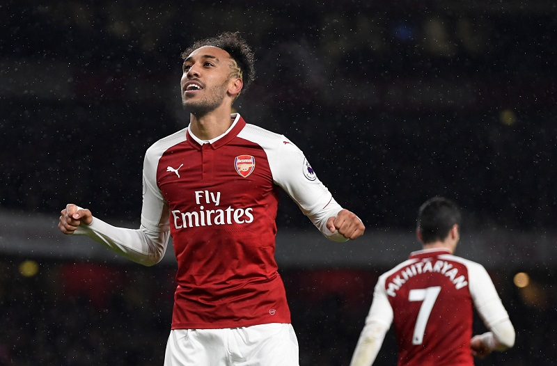 How Pierre-Emerick Aubameyang fits into Arsenal's system and how he compares to Harry Kane