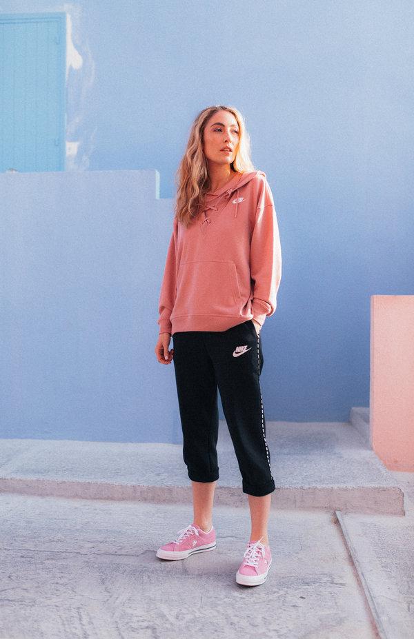 womens nike pullover hoodie
