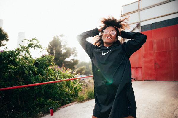 women's black nike exercise hoodie